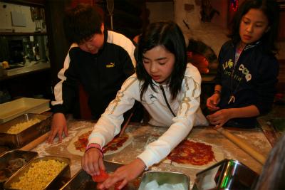 本格ピザをみんな力わせて手作りで作っちゃったぁ! 美味しかったよ!